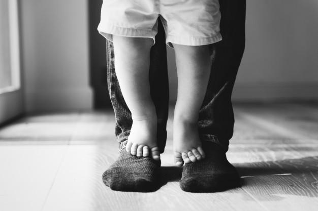 Πόση ενοχή έσπειρε μέσα σου η μαμά κι ο μπαμπάς;